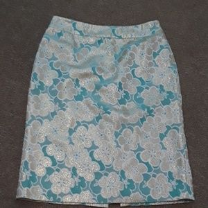 Very nice BR skirt.